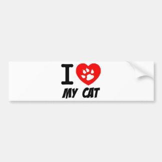 Amo mi texto del gato con el corazón rojo etiqueta de parachoque