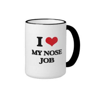 Amo mi trabajo de nariz taza de dos colores