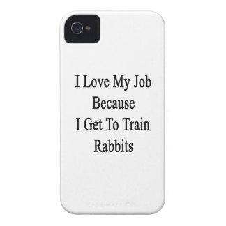 Amo mi trabajo porque consigo entrenar a conejos iPhone 4 carcasa