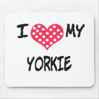 Amo mi Yorkie Mousepads
