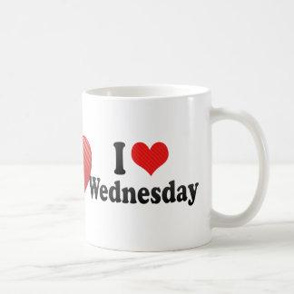 Amo miércoles taza básica blanca
