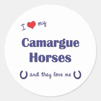 Amo mis caballos de Camargue los caballos múltipl Pegatina Redonda