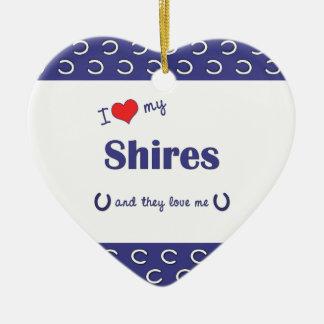 Amo mis condados (los caballos múltiples) adorno navideño de cerámica en forma de corazón
