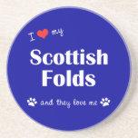 Amo mis dobleces escoceses (los gatos múltiples) posavasos para bebidas