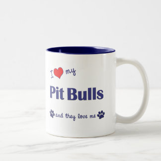 Amo mis pitbulls (los perros múltiples) taza de dos tonos