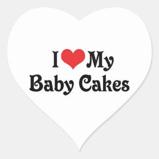 Amo mis tortas del bebé pegatina en forma de corazón