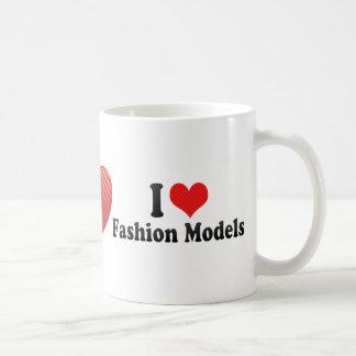 Amo modelos de moda taza