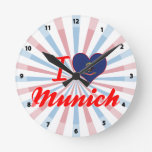 Amo Munich, Dakota del Norte Relojes De Pared