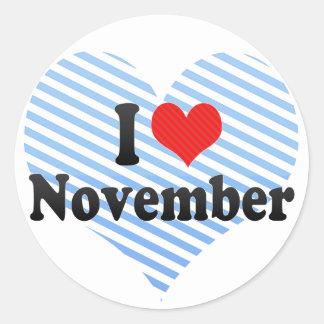 Amo noviembre pegatina redonda