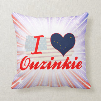 Amo Ouzinkie, Alaska Almohadas