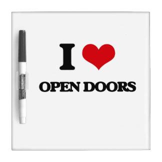 Amo puertas abiertas tablero blanco