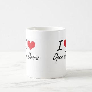 Amo puertas abiertas taza