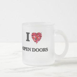 Amo puertas abiertas taza de cristal