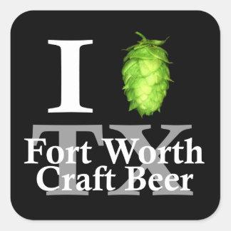 ¡Amo (salto) la cerveza del arte de Fort Worth! Calcomanía Cuadradase