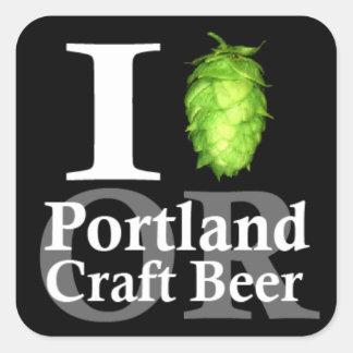 ¡Amo (salto) Portland, O hago la cerveza a mano! Calcomanias Cuadradas