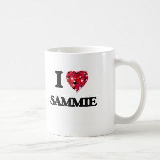 Amo Sammie Taza Básica Blanca