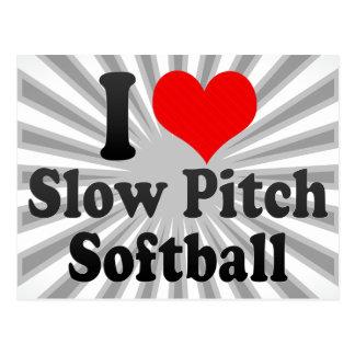 Amo softball lento de la echada postales