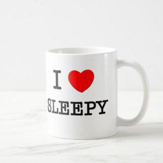 Amo soñoliento taza de café