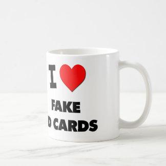 Amo tarjetas falsas de la identificación tazas