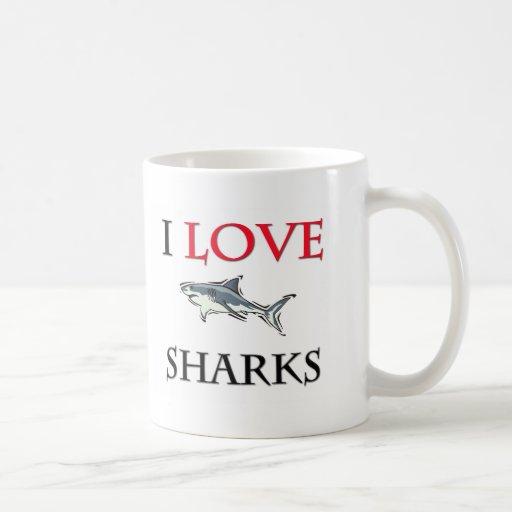 Amo tiburones taza básica blanca