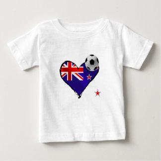 Amo todo el fútbol de bandera de Nueva Zelanda de Playera