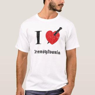 Amo Transilvania (la fuente erosionada negro) Playera