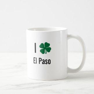 Amo (trébol) día del St Patricks de El Paso Taza Básica Blanca