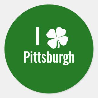 Amo (trébol) día del St Patricks de Pittsburgh Pegatinas Redondas