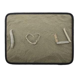 Amo U en la playa Funda Macbook Pro