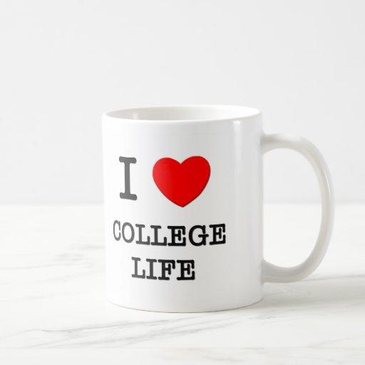 Amo vida de la universidad taza clásica