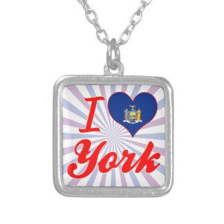 Amo York, Nueva York Grimpolas