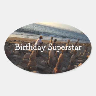 Amontonamiento de rocas; Feliz cumpleaños Colcomanias Ovaladas
