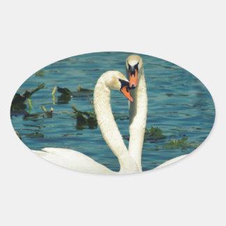 Amor 2 del cisne pegatina ovalada