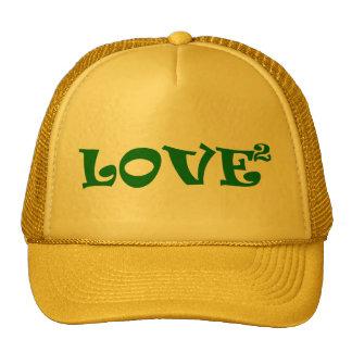 Amor ajustado en verde gorras de camionero