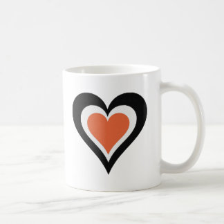 Amor anaranjado y negro taza clásica