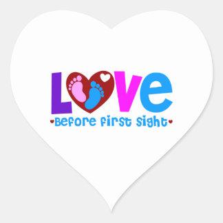 Amor antes de la primera vista pegatina en forma de corazón