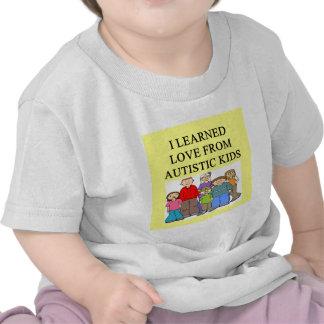 amor autustic de la hija del hijo del niño del camisetas