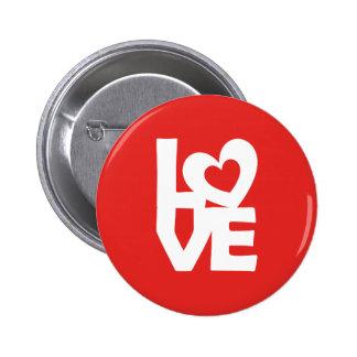 Amor con el corazón pin redondo de 2 pulgadas