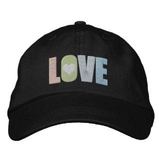 Amor con el pastel colorido del detalle del gorras bordadas