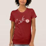 Amor con un color de rosa camiseta