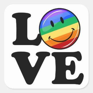 Amor con un gay feliz LGBT de la bandera del arco Pegatina Cuadrada