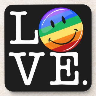Amor con un gay feliz LGBT de la bandera del arco Posavasos De Bebida