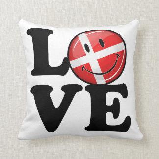 Amor de la bandera sonriente de Dinamarca Cojín