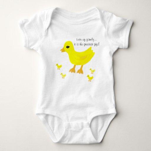 Amor de la camiseta del niño de la familia