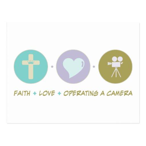 Amor de la fe que actúa una cámara tarjeta postal