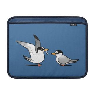 Amor de la golondrina de mar fundas MacBook