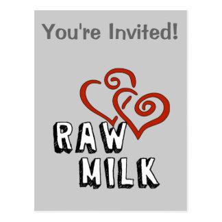 Amor de la leche cruda tarjeta postal