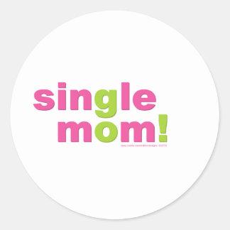 Amor de la madre soltera por los diseños de pegatina redonda