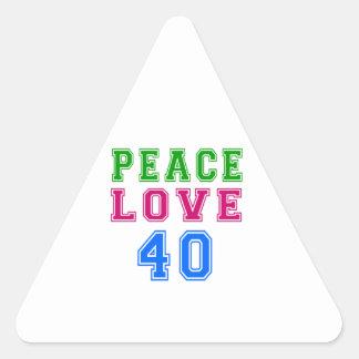 Amor de la paz 40 diseños del cumpleaños pegatina de triangulo