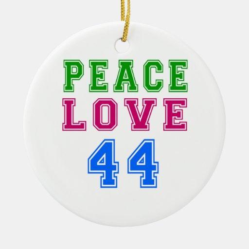 Amor de la paz 44 diseños del cumpleaños adorno navideño redondo de cerámica